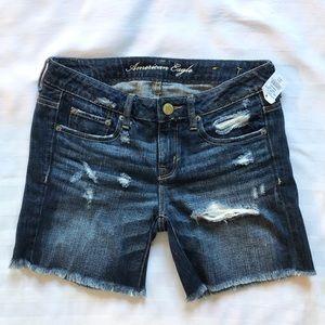 😍3/75😍AEO distressed shorts